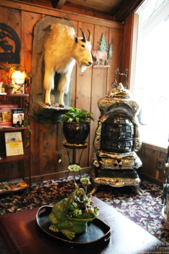 Oddities in the lodge entrance.